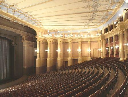 Bayreuth-festspielhaus03