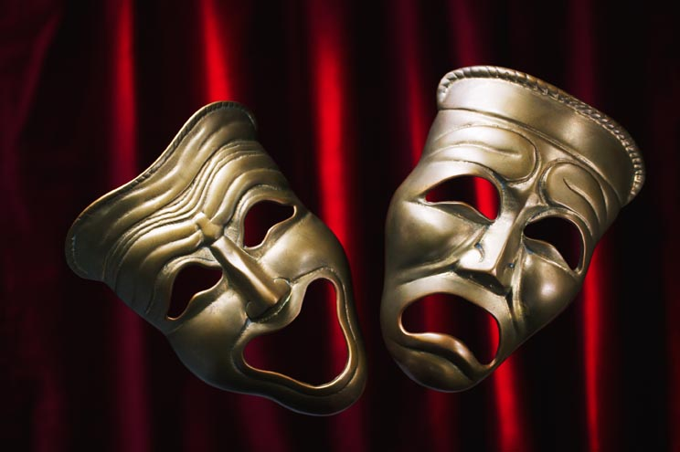 the art of disguise in shakespeares tragedies and comedies